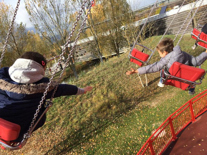 Halloween au Parc du Petit Prince - les chaises volantes
